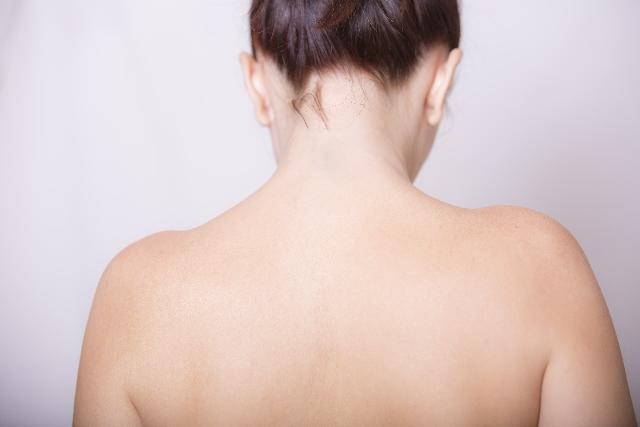 肩甲骨エクササイズで背中を部分痩せ