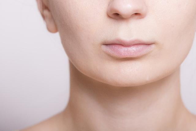 顔のラインが気になる二重あごの部分痩せをしたい!