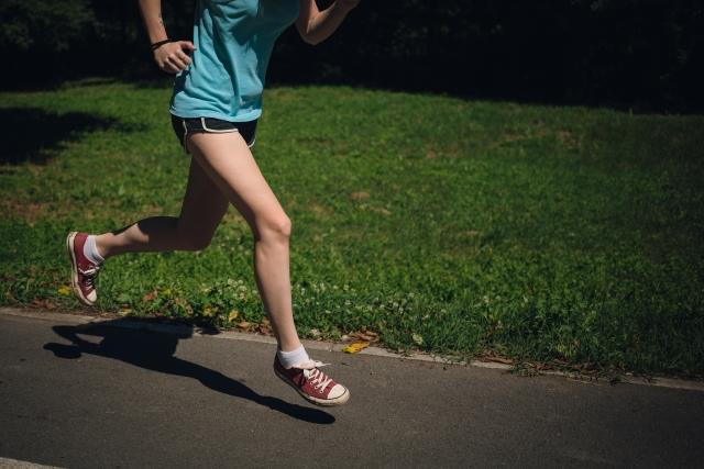 太ももの脂肪を燃焼させるジョギングの方法とは?