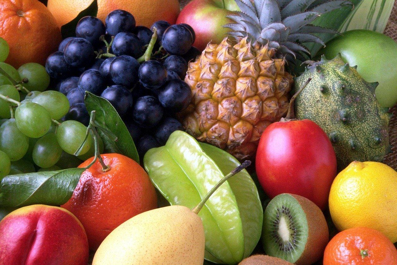 むくみを解消するのに最適な果物って?